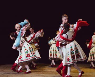 ФОТО: звітний концерт ансамблів танцю «Квіти України» і «Мрія»